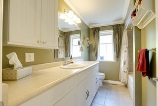 Photo 17: 24105 61 Avenue in Langley: House for sale