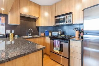"""Photo 3: 1604 1010 RICHARDS Street in Vancouver: Yaletown Condo for sale in """"The Gallery"""" (Vancouver West)  : MLS®# R2204438"""