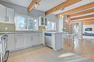 Photo 3: 6531 LARKSPUR Way SW in Calgary: North Glenmore Park House for sale : MLS®# C4149093