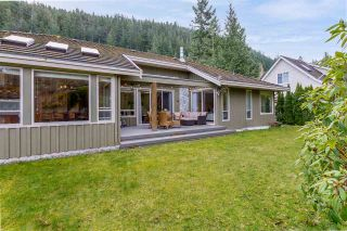 """Photo 3: 158 STONEGATE Drive: Furry Creek House for sale in """"Furry Creek"""" (West Vancouver)  : MLS®# R2549298"""