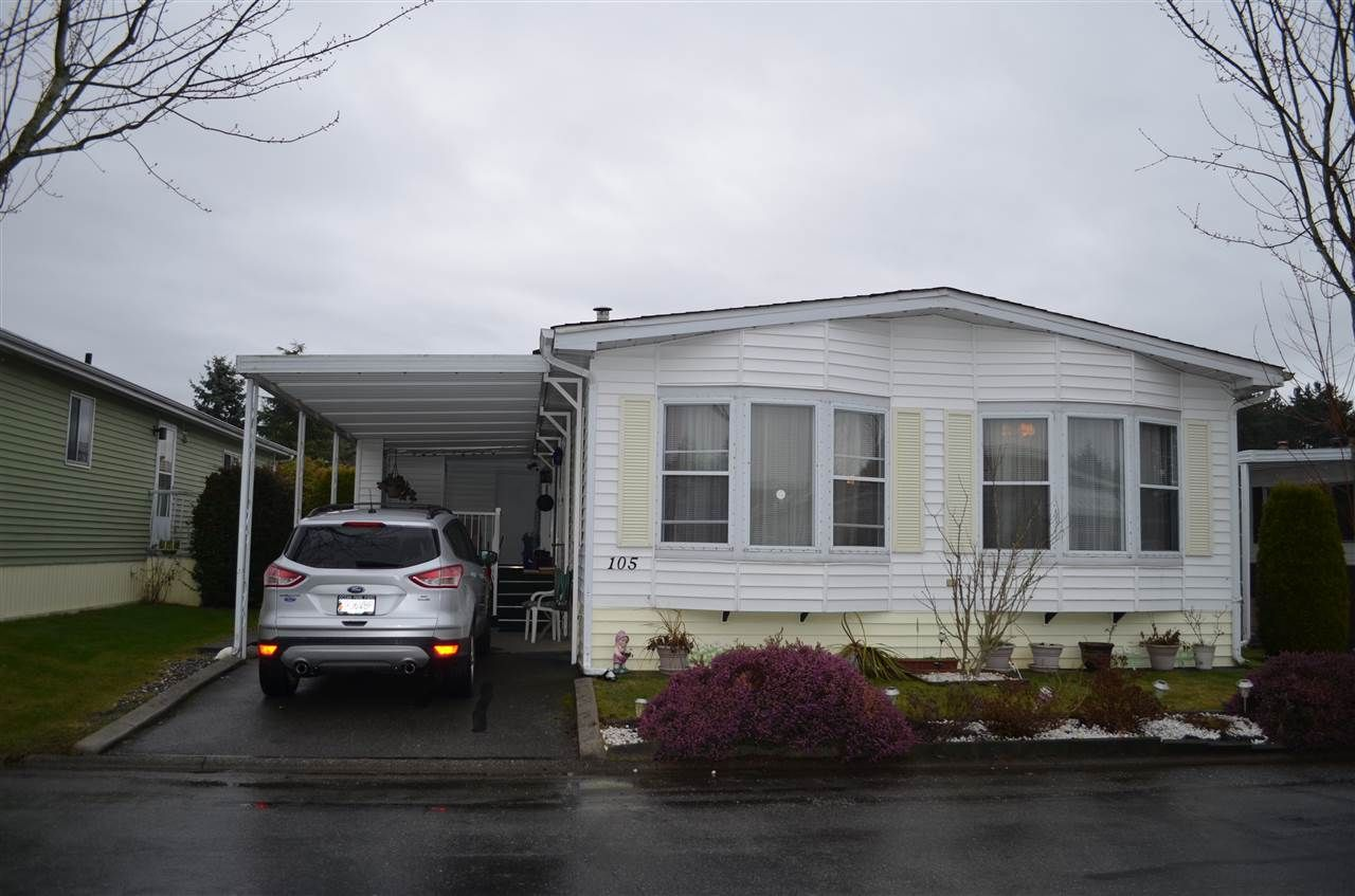 """Main Photo: 105 2303 CRANLEY Drive in Surrey: King George Corridor Manufactured Home for sale in """"SUNNYSIDE ESTATES"""" (South Surrey White Rock)  : MLS®# R2146225"""