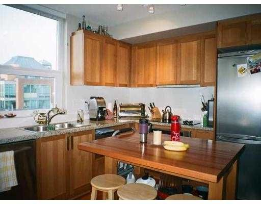 Photo 3: Photos: 610 2228 W Broadway in Vancouver: Condo for sale : MLS®# v927754