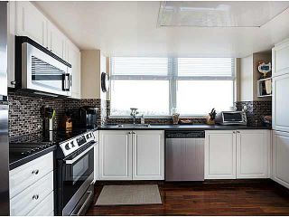 "Photo 6: 1402 567 LONSDALE Avenue in North Vancouver: Lower Lonsdale Condo for sale in ""THE CAMELLIA"" : MLS®# V1126178"