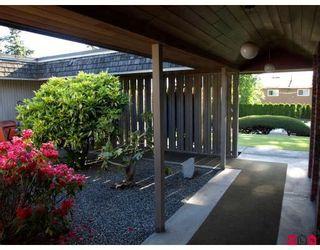 """Photo 3: 6618 SUNSHINE Drive in Delta: Sunshine Hills Woods House for sale in """"SUNSHINE HILLS"""" (N. Delta)  : MLS®# F2911319"""