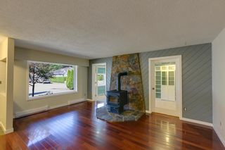 """Photo 3: 41374 DRYDEN Road in Squamish: Brackendale House for sale in """"Brackendale"""" : MLS®# R2198766"""