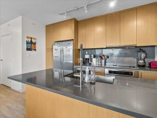 """Photo 5: 801 251 E 7TH Avenue in Vancouver: Mount Pleasant VE Condo for sale in """"District"""" (Vancouver East)  : MLS®# R2621042"""