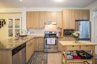 """Photo 4: 19 14838 61 Avenue in Surrey: Sullivan Station Townhouse for sale in """"Sequoia"""" : MLS®# R2322318"""