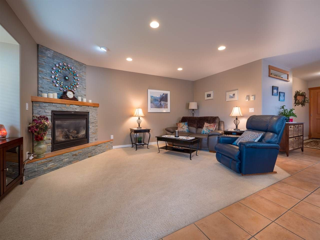 Photo 3: Photos: 6335 PICADILLY Place in Sechelt: Sechelt District House for sale (Sunshine Coast)  : MLS®# R2248834
