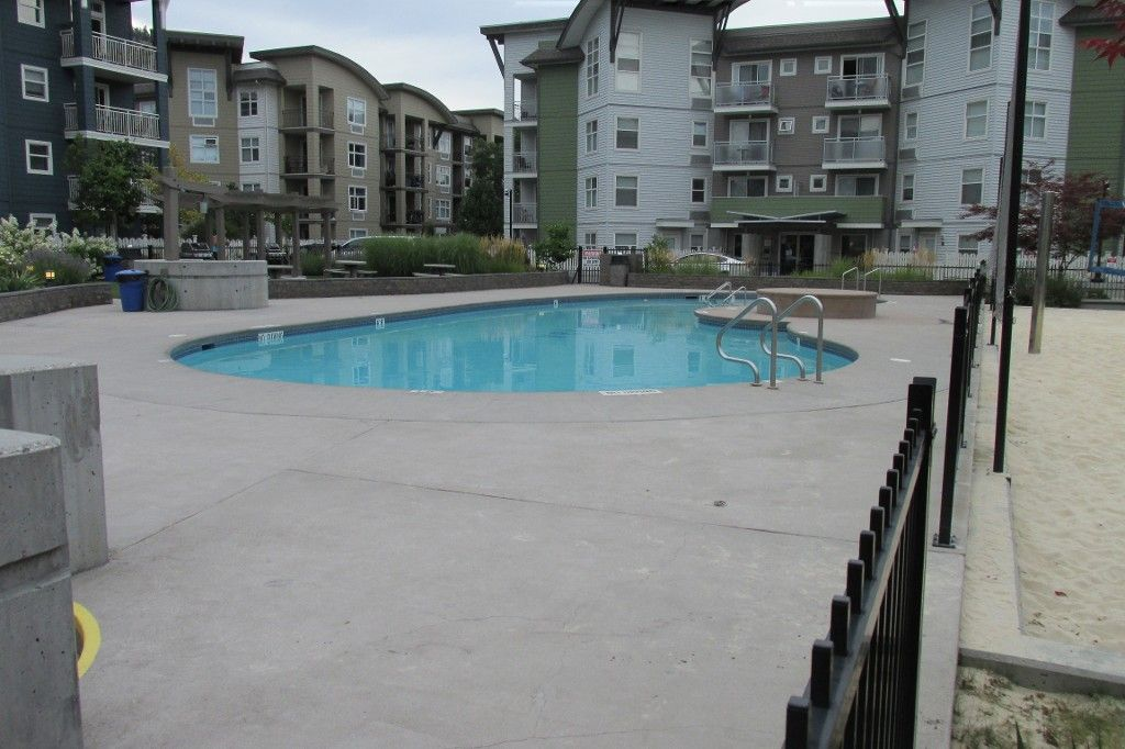 Main Photo: 314-547 Yates Rd in Kelowna: North Glenmore Condo for sale : MLS®# 10125864