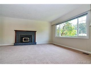 Photo 4: 504 Salton Dr in VICTORIA: Co Triangle House for sale (Colwood)  : MLS®# 703189