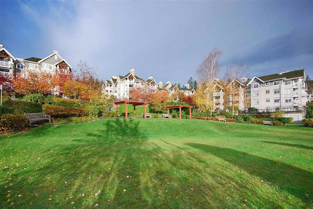 "Photo 15: Photos: 204 1428 PARKWAY Boulevard in Coquitlam: Westwood Plateau Condo for sale in ""Montreaux"" : MLS®# R2132471"