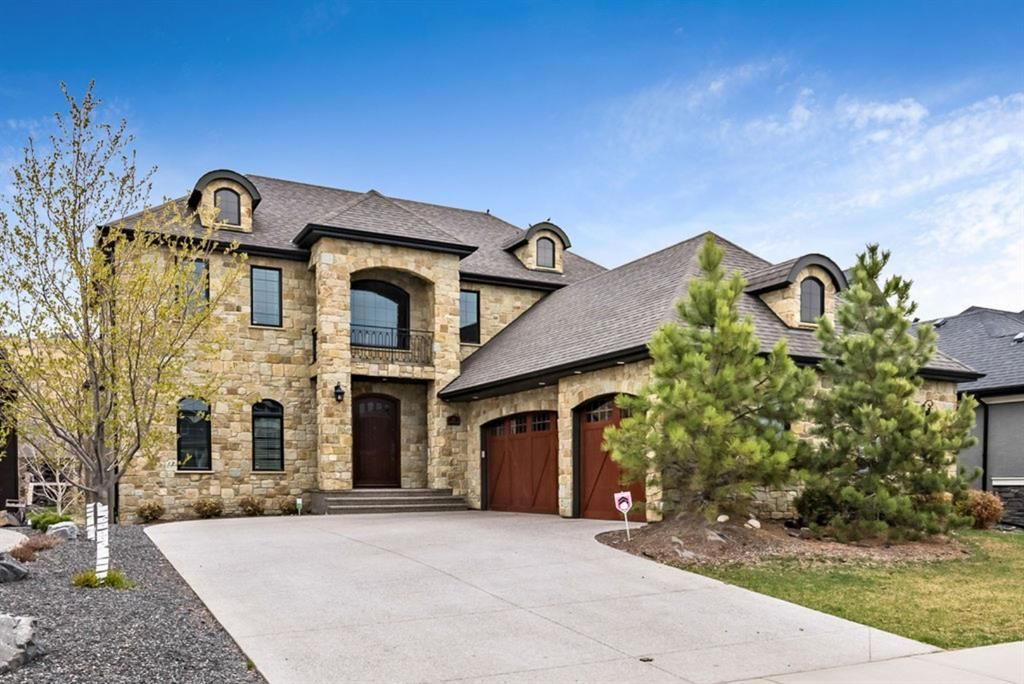 Main Photo: 72 Cranbrook Heights SE in Calgary: Cranston Detached for sale : MLS®# A1105486
