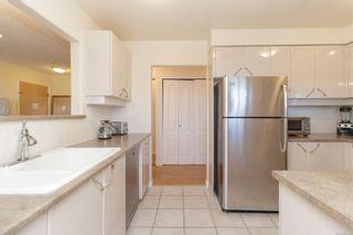 Photo 9: 501 605 Douglas St in : Vi James Bay Condo for sale (Victoria)  : MLS®# 881435