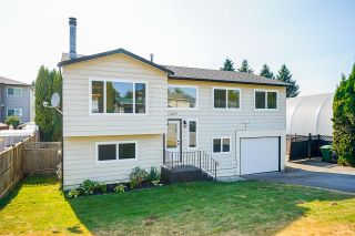 Photo 3: 3401 JUNIPER Crescent in Abbotsford: Abbotsford East House for sale : MLS®# R2604754