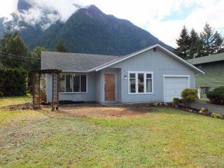 Photo 2: 65416 SKYLARK Drive in Hope: Hope Kawkawa Lake House for sale : MLS®# R2625805