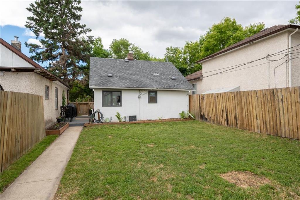 Photo 18: Photos: 497 Chelsea Avenue in Winnipeg: Residential for sale (3D)  : MLS®# 202115705