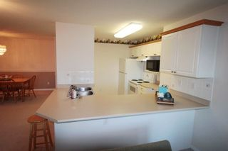 """Photo 6: 203 22150 48 Avenue in Langley: Murrayville Condo for sale in """"Eaglecrest"""" : MLS®# R2238984"""