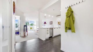 """Photo 12: 408 2288 W 12TH Avenue in Vancouver: Kitsilano Condo for sale in """"CONNAUGHT POINT"""" (Vancouver West)  : MLS®# R2594302"""