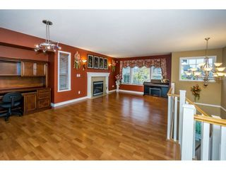 """Photo 3: 27945 JUNCTION Avenue in Abbotsford: Aberdeen House for sale in """"~Station~"""" : MLS®# R2216162"""