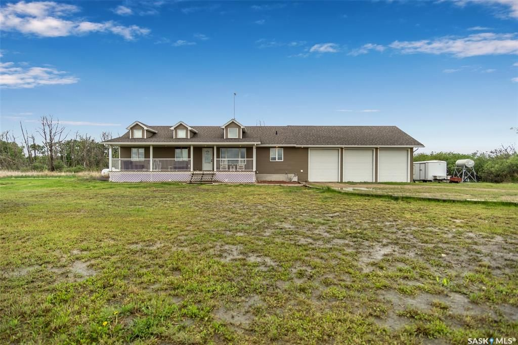 Main Photo: Atkins Acreage in Montrose: Residential for sale (Montrose Rm No. 315)  : MLS®# SK862882