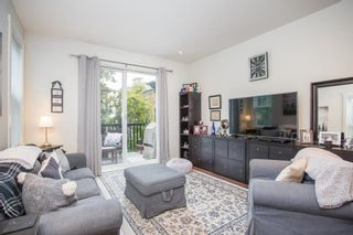 """Photo 3: 21 19538 BISHOPS REACH in Pitt Meadows: South Meadows Townhouse for sale in """"Turnstone"""" : MLS®# R2617957"""