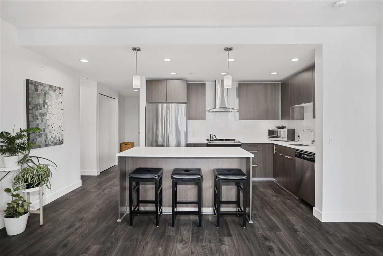 Photo 6: Photos: 326 723 W 3RD STREET in North Vancouver: Harbourside Condo for sale : MLS®# R2434964