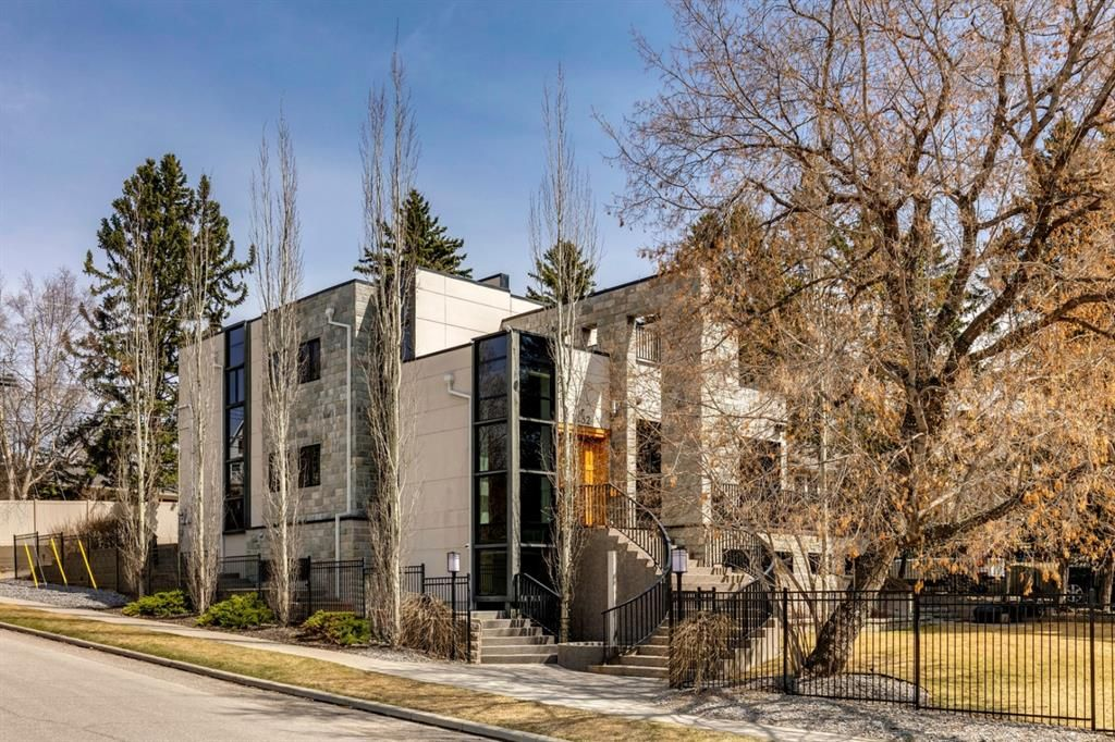 Main Photo: 1432 Premier Way SW in Calgary: Upper Mount Royal Detached for sale : MLS®# A1092595