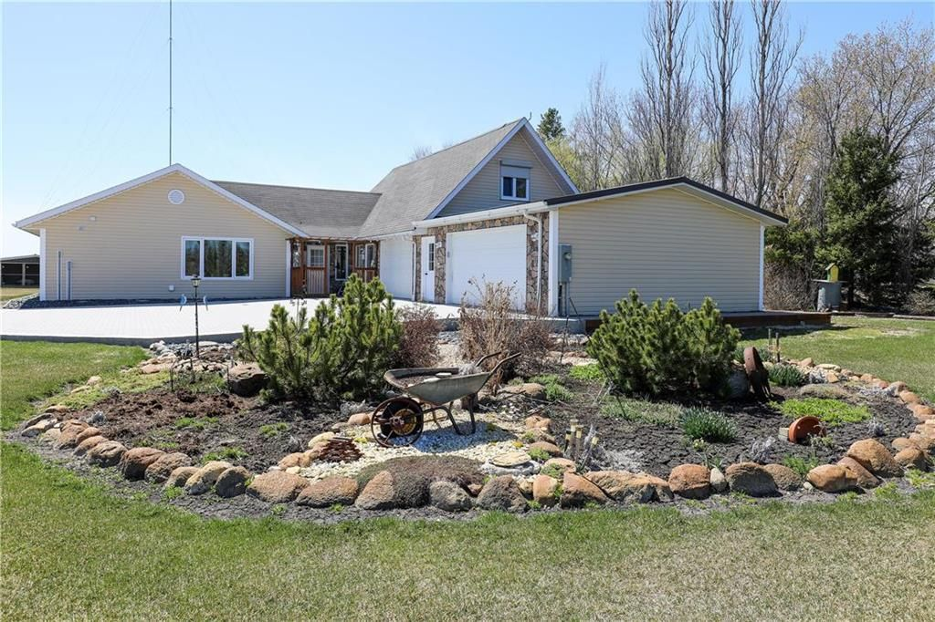 Main Photo: 34050 PR 303 Road in Steinbach: R16 Residential for sale : MLS®# 202111284