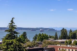 """Main Photo: 502 1390 DUCHESS Avenue in West Vancouver: Ambleside Condo for sale in """"Westview Terrace"""" : MLS®# R2595483"""