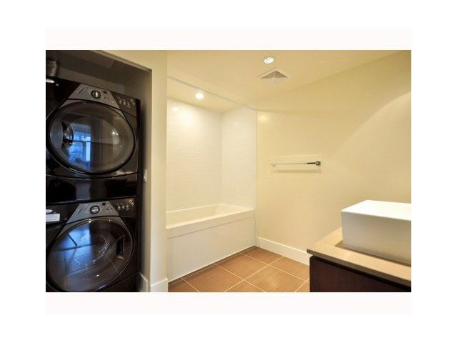 Photo 8: Photos: 1318 Chesterfield Avenue in North Vancouver: Central Lonsdale Townhouse  : MLS®# V1080976