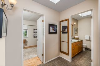 Photo 15: 1196 DEEP COVE Road in North Vancouver: Deep Cove Townhouse for sale : MLS®# R2279421