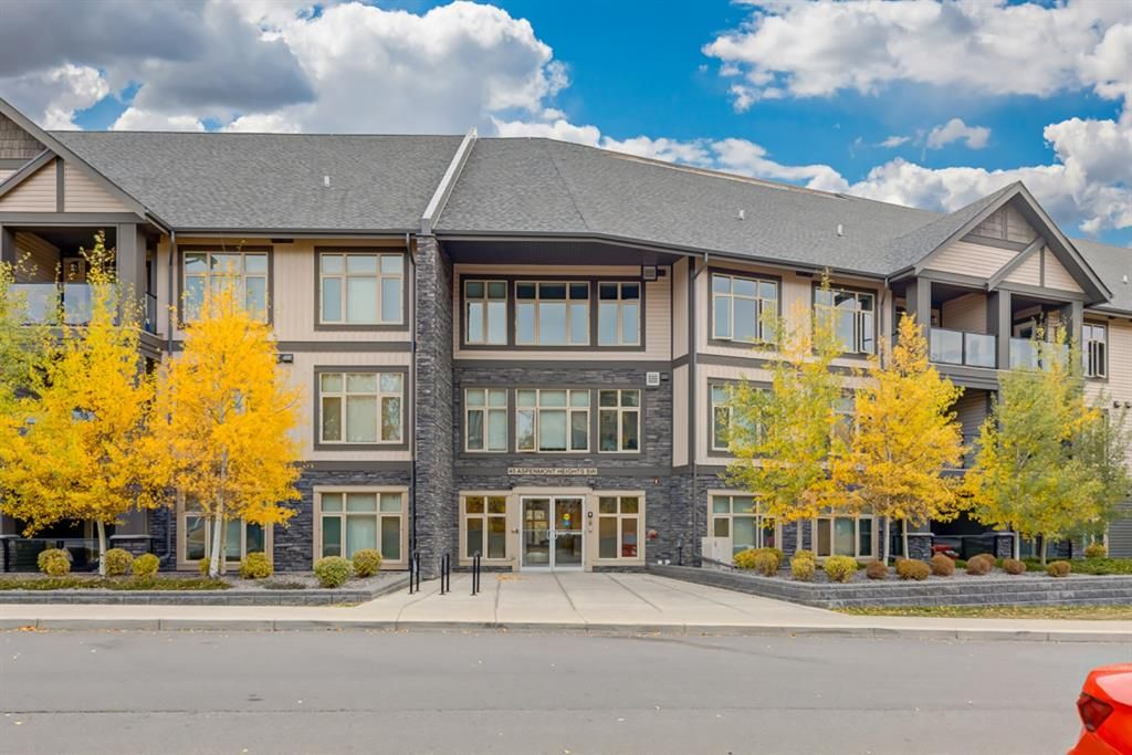 Main Photo: 208 45 Aspenmont Heights SW in Calgary: Aspen Woods Apartment for sale : MLS®# A1075895