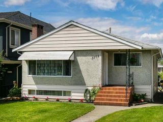 Photo 1: 3175 E 23RD Avenue in Vancouver: Renfrew Heights House for sale (Vancouver East)  : MLS®# R2177505