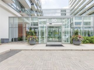 Photo 2: 90 Stadium Rd Unit #829 in Toronto: Niagara Condo for sale (Toronto C01)  : MLS®# C4246586