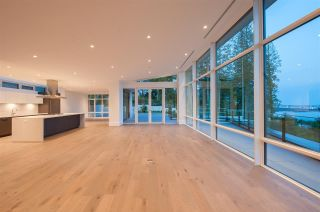 Photo 5: 2968 BURFIELD Place in West Vancouver: Cypress Park Estates House for sale : MLS®# R2586376