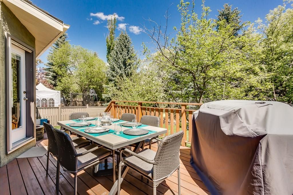 Photo 13: Photos: 115 SIERRA MORENA Circle SW in Calgary: Signal Hill Detached for sale : MLS®# C4299539