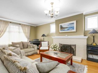 """Photo 3: 1689 W 62ND Avenue in Vancouver: South Granville House for sale in """"SOUTH GRANVILLE"""" (Vancouver West)  : MLS®# R2161750"""