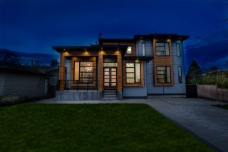 Photo 2: 15517 17 Avenue in Surrey: King George Corridor House for sale (South Surrey White Rock)  : MLS®# R2546475