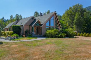 Photo 1: 3775 Mountain Rd in : ML Cobble Hill House for sale (Malahat & Area)  : MLS®# 886261