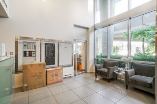 """Photo 32: 805 980 COOPERAGE Way in Vancouver: Yaletown Condo for sale in """"COOPERS POINTE by Concord Pacific"""" (Vancouver West)  : MLS®# R2614161"""
