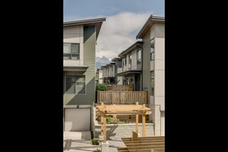 """Photo 3: 1149 NATURE'S GATE Crescent in Squamish: Downtown SQ Townhouse for sale in """"Natures Gate"""" : MLS®# R2104476"""