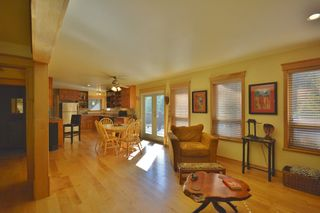 Photo 7: 11 13651 CAMP BURLEY ROAD in Garden Bay: Pender Harbour Egmont House for sale (Sunshine Coast)  : MLS®# R2200142
