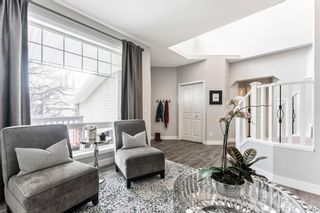 Photo 5: 53 Crestmont Drive SW in Calgary: Crestmont Detached for sale : MLS®# A1118575