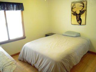 Photo 12: 379 BERRY Street in WINNIPEG: St James Residential for sale (West Winnipeg)  : MLS®# 1018172