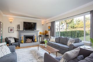 Photo 3: 859 E 15TH Street in North Vancouver: Boulevard House for sale : MLS®# R2335791