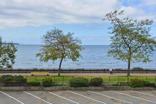 """Photo 14: 206 14881 MARINE Drive: White Rock Condo for sale in """"Driftwood Arms"""" (South Surrey White Rock)  : MLS®# R2381349"""