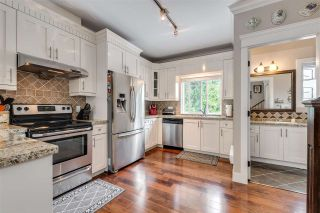 """Photo 8: 119 3333 DEWDNEY TRUNK Road in Port Moody: Port Moody Centre Townhouse for sale in """"CENTRE POINT"""" : MLS®# R2408387"""