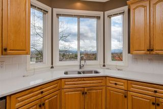 Photo 6: 31680 AMBERPOINT Place in Abbotsford: Abbotsford West House for sale : MLS®# R2452368