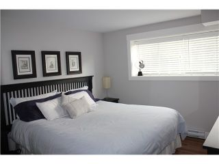 """Photo 5: 10 308 W 2ND Street in North Vancouver: Lower Lonsdale Condo for sale in """"Mohan Gardens"""" : MLS®# V1055350"""