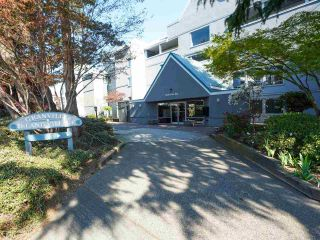 """Photo 2: 24 1345 W 4TH Avenue in Vancouver: False Creek Townhouse for sale in """"Granville Island Village"""" (Vancouver West)  : MLS®# R2564890"""